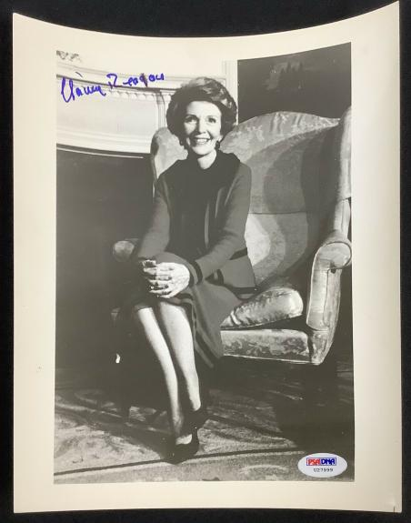 Nancy Reagan Signed Photo 8x10 President Ronald Reagan First Lady Auto PSA/DNA