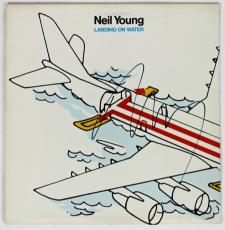 Neil Young Signed Landing On Water Record Album  Psa/dna #w07777