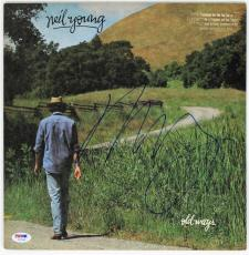 Neil Young Signed Old Ways Record Album  Psa/dna #z57340