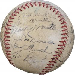 1952 New York Yankees Team Signed Autographed Baseaball with 28 Signatures