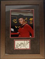 Nichelle Nichols (Lieutenant Uhara- Star Trek) signed/framed Photo display- JSA