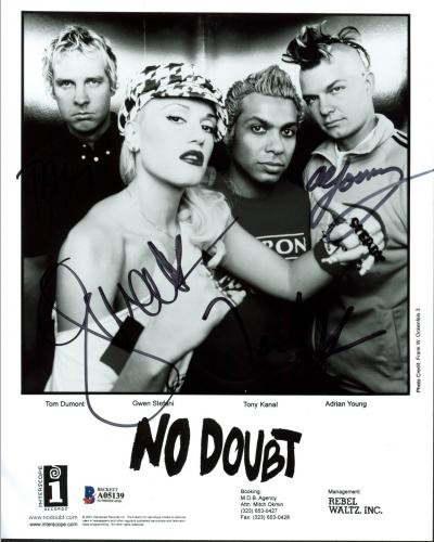 No Doubt (4) Stefani, Kanal, Young +1 Signed Promotional B&W Photo BAS #A05139