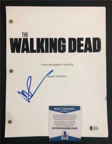 NORMAN REEDUS Daryl signed THE WALKING DEAD Full TV Script (A) ~ Beckett BAS COA