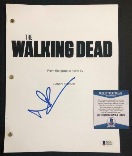 NORMAN REEDUS Daryl signed THE WALKING DEAD Full TV Script (B) ~ Beckett BAS COA