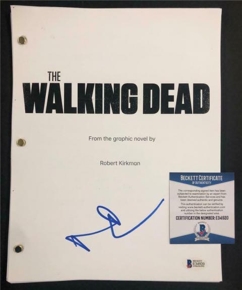 NORMAN REEDUS Daryl signed THE WALKING DEAD Full TV Script (C) ~ Beckett BAS COA