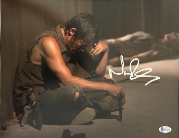 Norman Reedus Signed 11x14 Photo Walking Dead Beckett Bas Autograph Auto D