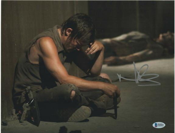 Norman Reedus Signed 11x14 Photo Walking Dead Beckett Bas Autograph Auto J