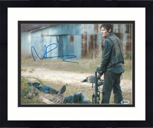 Norman Reedus Signed 11x14 Photo Walking Dead Beckett Bas Autograph Auto Q