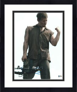 Norman Reedus Signed 11x14 Photo Walking Dead Beckett Bas Autograph Auto T