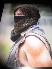 NORMAN REEDUS SIGNED AUTOGRAPH 8x10 PHOTO THE WALKING DEAD PROMO ZOMBIES COA A