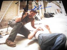 NORMAN REEDUS SIGNED AUTOGRAPH 8x10 PHOTO THE WALKING DEAD PROMO ZOMBIES COA F