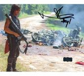 Norman Reedus Signed The Walking Dead 8x10 Photo - Bazooka Aftermath