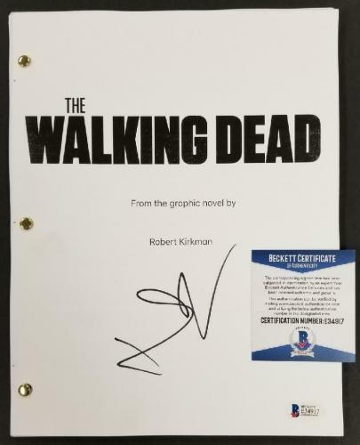 Norman Reedus signed The Walking Dead Book Script Autograph A ~ Beckett BAS COA