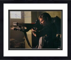 Norman Reedus Signed The Walking Dead Daryl Dixon Aiming 16x20 Photo JSA