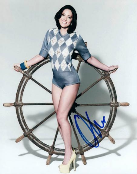 Olivia Munn The Newsroom Signed Autographed Photo UACC RD AFTAL RACC TS