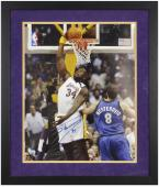 Shaquille O'Neal Los Angeles Lakers Framed Autographed 16'' x 20'' Photograph - Mounted Memories