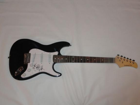 Otis Williams Signed Black Electric Guitar The Temptations Exact Proof Jsa Coa