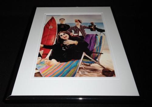 Ozzy Osbourne w/ Jack & Kelly 2002 at beach Framed 11x14 Photo Display