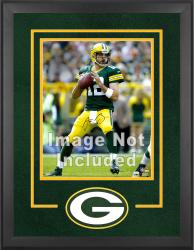 Green Bay Packers Deluxe 16'' x 20'' Vertical Photograph Frame with Team Logo - Mounted Memories
