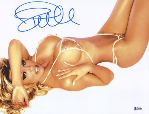 """Pamela Anderson Autographed 11"""" x 14"""" Bathing Suit Horizontal Photograph - BAS COA"""