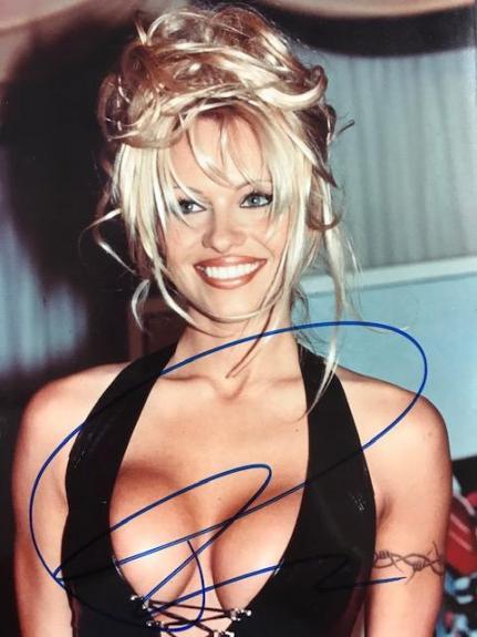 Pamela Anderson Signed 8x10 Celebrity Photo