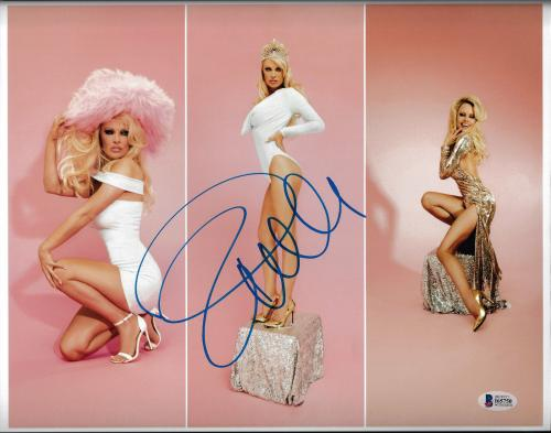 Pamela Anderson Signed 11x14 Photo - Pam Sexy Photo Shoot Beckett BAS