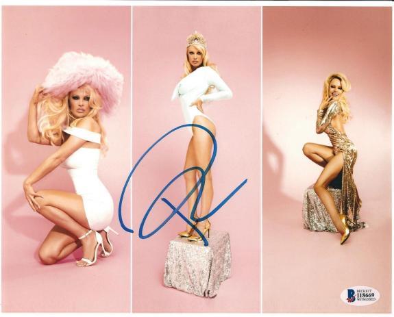 Pamela Anderson Signed 8x10 Photo *Model Beckett BAS I18669