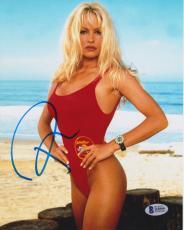 Pamela Anderson Signed 8x10 Photo - Pam Baywatch Swimsuit Side Beckett BAS