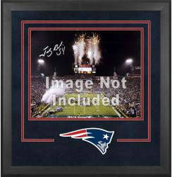 New England Patriots Deluxe 16'' x 20'' Horizontal Photograph Frame with Team Logo - Mounted Memories