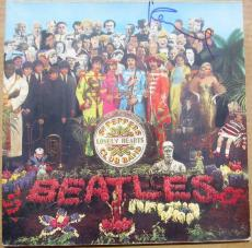 Paul McCartney Beatles signed Sgt. Peppers LP Album Cover PSA/DNA auto
