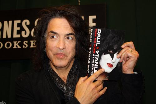 "Paul Stanley Signed Book ""face The Music"" With Beckett Bas Coa & 10 Photos Kiss"