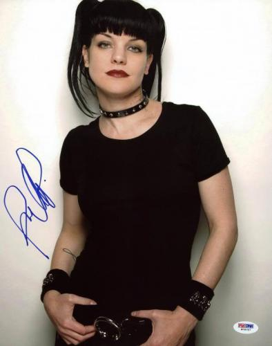 Pauley Perrette Ncis Signed 11X14 Photo Autographed PSA/DNA #W79757