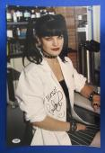Pauley Perrette Signed Autograph 12x18 NCIS Photo PSA/DNA Q60650