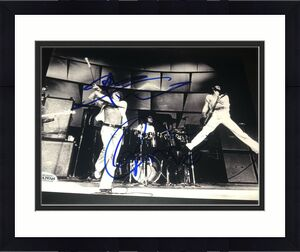 PETE TOWNSHEND ROGER DALTREY SIGNED AUTOGRAPH 8x10 PHOTO THE WHO BECKETT BAS D