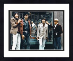 PETE TOWNSHEND signed (THE WHO) GUITARIST MUSIC 8X10 photo W/COA #2