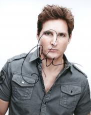 Peter Facinelli Autographed Signed Buttons Photo UACC AFTAL