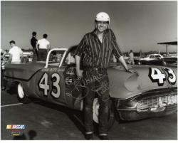 Richard Petty Autographed 8'' x 10'' B&W Photograph - Mounted Memories