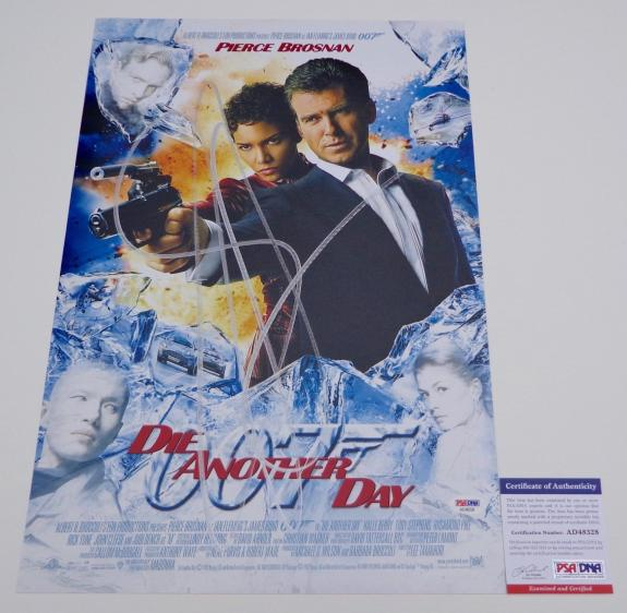 Pierce Brosnan Signed Die Another Day 12x18 Movie Poster Psa Coa Ad48328