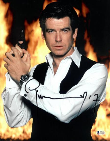 Pierce Brosnan signed James Bond 007 11X14 Photo (Full Sig-Vest w/ Gun)- Beckett Holo #C65493