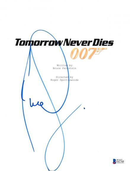 Pierce Brosnan Signed Tomorrow Never Dies Script Beckett Bas Autograph Auto