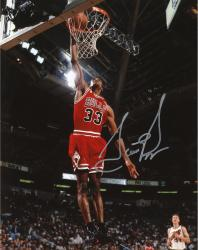 Scottie Pippen Chicago Bulls Autographed 8'' x 10'' Dunk Solo Photograph