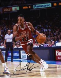 "NBA Chicago Bulls Scottie Pippen Autographed 8"" x 10"" Photo"