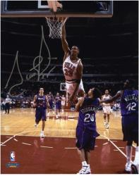 "Scottie Pippen Chicago Bulls Autographed 8"" x 10"" Photo vs. Toronto Raptors - Mounted Memories"