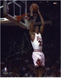 """NBA Chicago Bulls Scottie Pippen Autographed 8"""" x 10"""" Photo -"""
