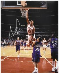 NBA Chicago Bullls Scottie Pippen Autographed 16'' x 20'' Photo vs. Toronto Raptors - Mounted Memories