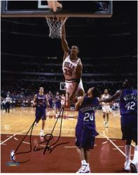 "Scottie Pippen Chicago Bulls Autographed 8"" x 10"" Photo - Mounted Memories"