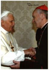 """Pope Francis """"Erzbischof von Buenos Aires"""" Signed 5.75x8.25 BAS #A00328"""