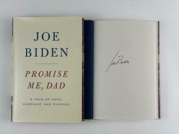 """President Joe Biden Signed Autograph """"promise Me Dad"""" Book - Barack Obama Vp"""