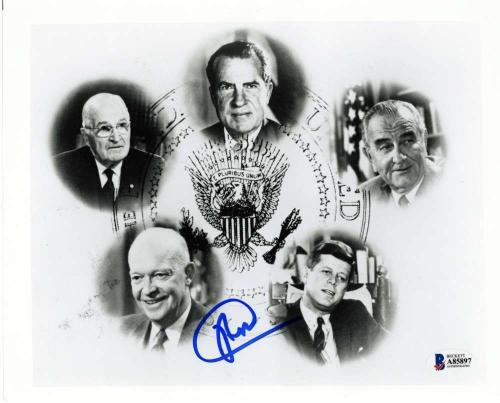 President Richard Nixon Signed Autographed 8x10 Photograph Near-Mint Beckett BAS