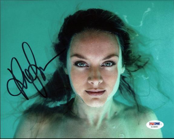 Rachel Skarsten Lost Girl Signed 8X10 Photo PSA/DNA #AC46993